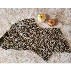 Long Sleeve Leopard Button up